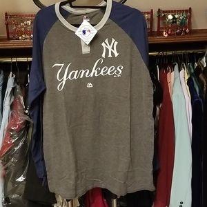 NY Yankees 2 button men's Henley.